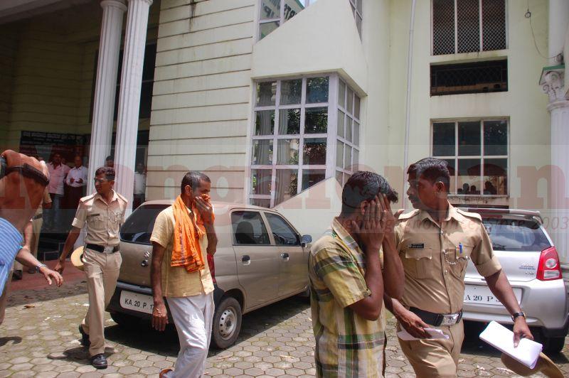 court-produce-bhaskar-shetty-murder-20160811-06