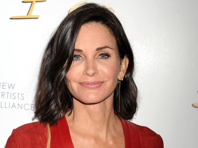 courteney-cox-20160825