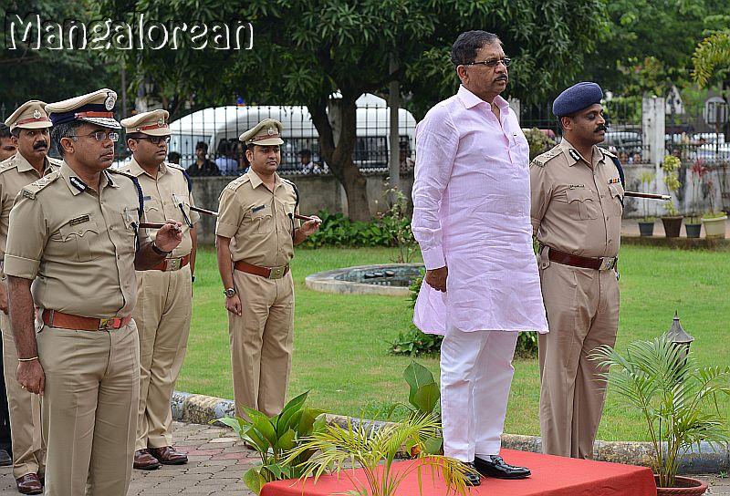 home-minister-Dr-G-Parameshwer (16)