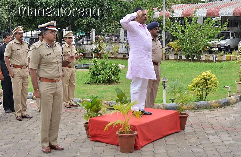 home-minister-Dr-G-Parameshwer (9)