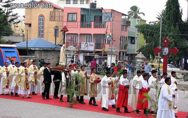 image001Archbishop-Moras-Celebrates-Feast-Patron Saint–St-Bernard-01-20160821-001