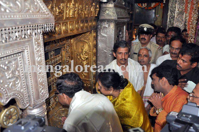 image001g-parameshwar-udupi-krishna-temple-20160826-001