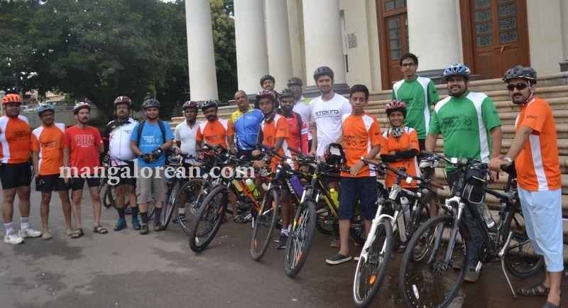 image003aj-hosp-bike-rally-20160815-003