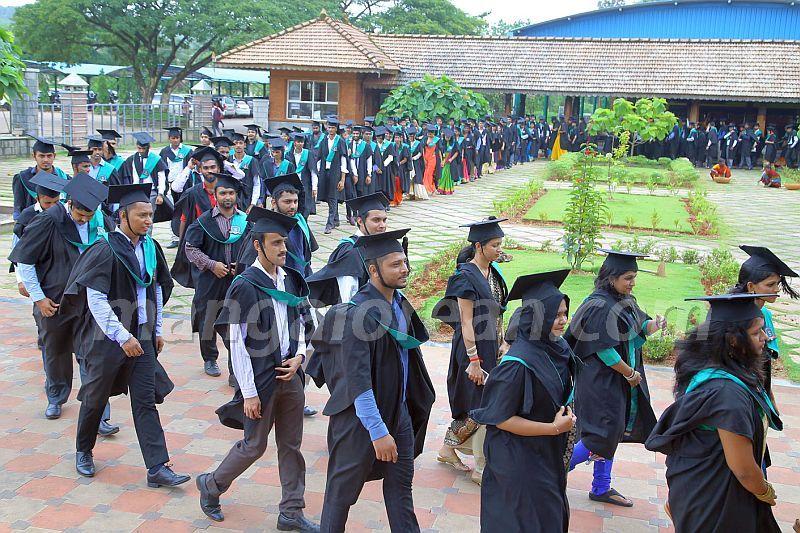image004 graduation-day-sahyadri-college-20160813-004