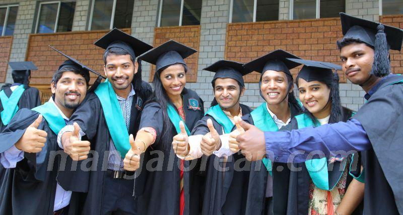 image006 graduation-day-sahyadri-college-20160813-006