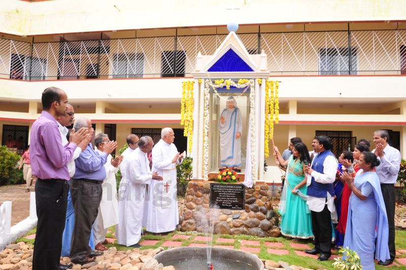 image007installation-blessing-st-mother-theresa-statue-pamboor-20160815