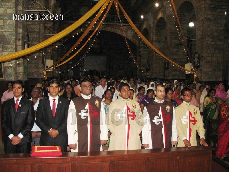 image009Archbishop-Moras-Celebrates-Feast-Patron Saint–St-Bernard-01-20160821-009