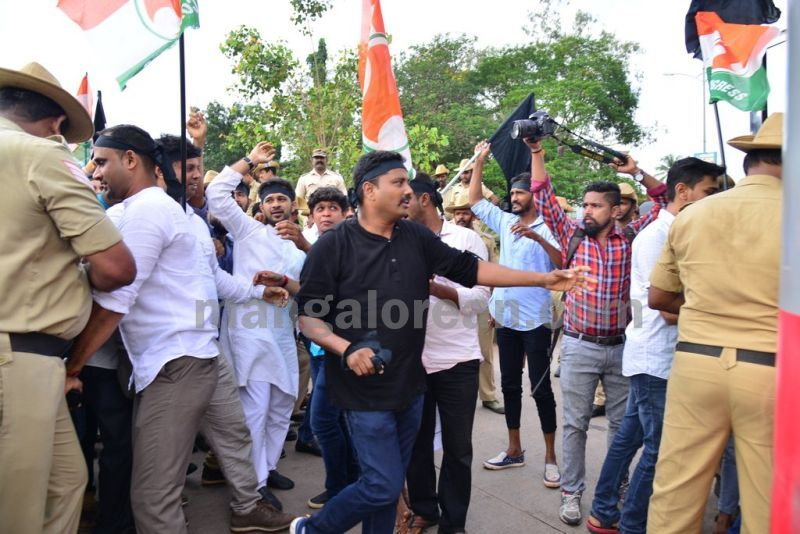 image011youth-congress-protest-against-amithsha-20160821