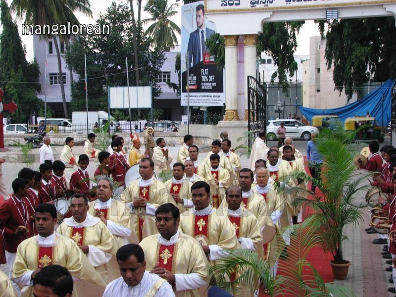 image012Archbishop-Moras-Celebrates-Feast-Patron Saint–St-Bernard-01-20160821-012