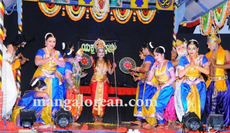 image014varamahalakshmi-pooja-dubai-20160813-014
