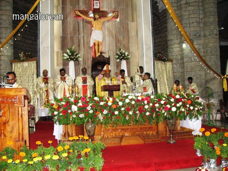 image017Archbishop-Moras-Celebrates-Feast-Patron Saint–St-Bernard-01-20160821-017