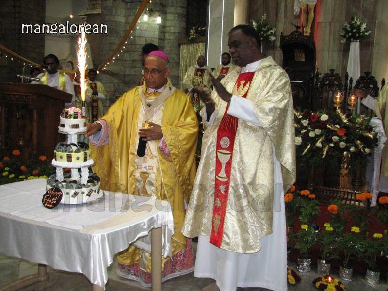 image020Archbishop-Moras-Celebrates-Feast-Patron Saint–St-Bernard-01-20160821-020