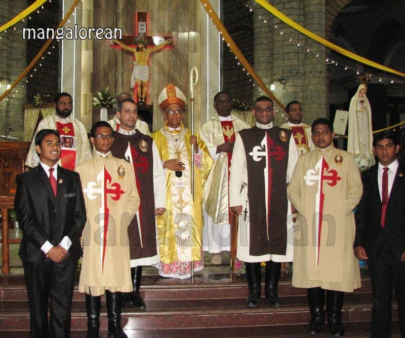 image026Archbishop-Moras-Celebrates-Feast-Patron Saint–St-Bernard-01-20160821-026