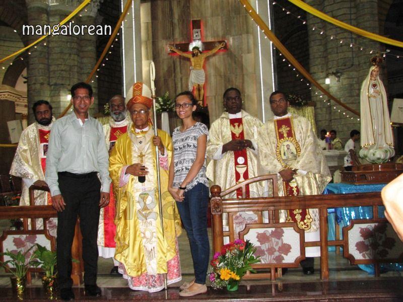 image027Archbishop-Moras-Celebrates-Feast-Patron Saint–St-Bernard-01-20160821-027