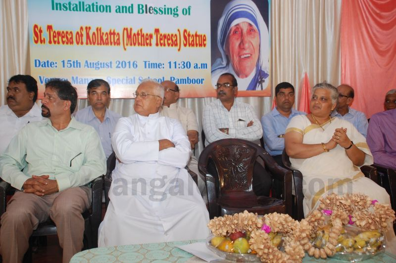 image039installation-blessing-st-mother-theresa-statue-pamboor-20160815