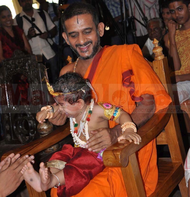 krishna-vesha-udupi-temple-20160824-06