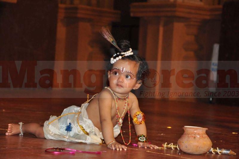 krishna-vesha-udupi-temple-20160824-07