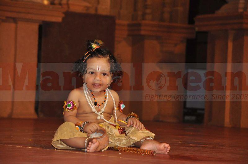 krishna-vesha-udupi-temple-20160824-10