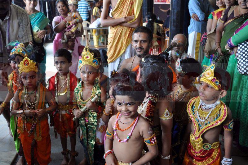 krishna-vesha-udupi-temple-20160824-13