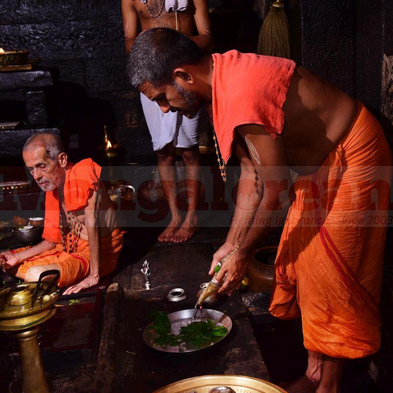 krishna-vesha-udupi-temple-20160824-51