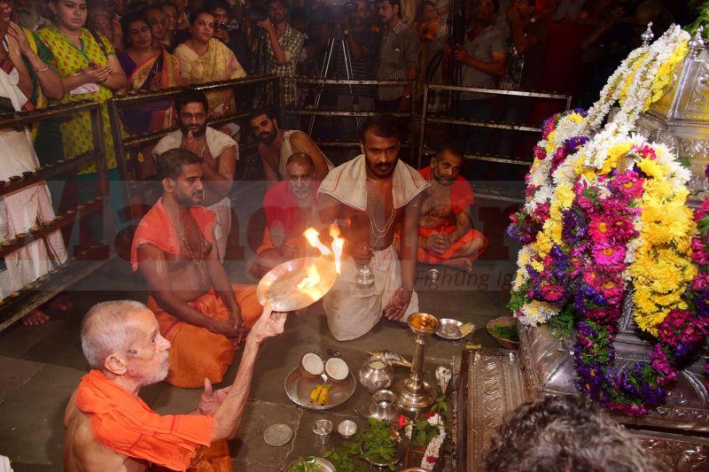 krishna-vesha-udupi-temple-20160824-52