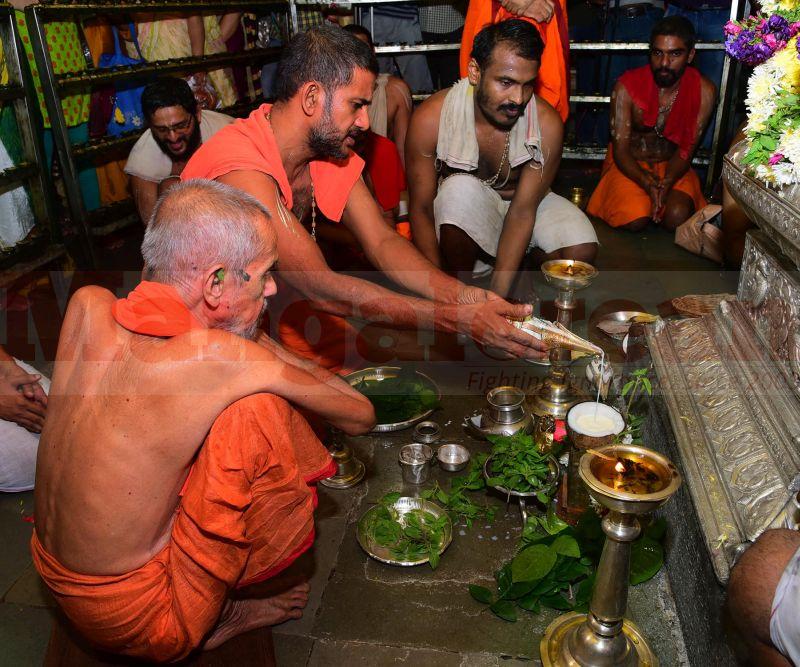krishna-vesha-udupi-temple-20160824-55