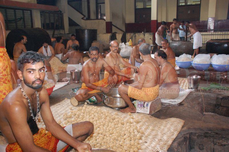 sri-krishna-janmastami-preparation-udupi-20160822-00
