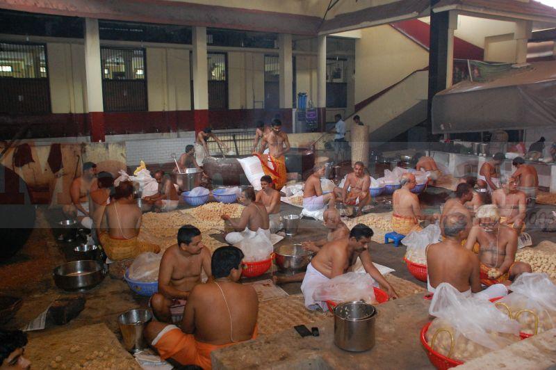 sri-krishna-janmastami-preparation-udupi-20160822-01