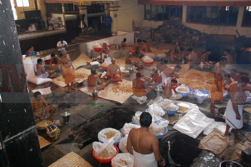 sri-krishna-janmastami-preparation-udupi-20160822-02
