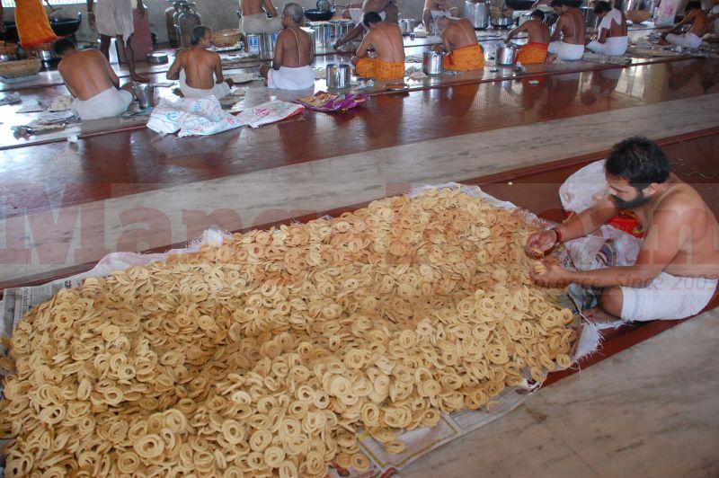 sri-krishna-janmastami-preparation-udupi-20160822-05