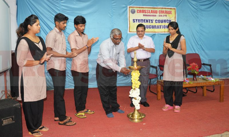 students-council-cross-land-college-20160803-01