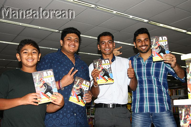 ab-de-villiers-autobiography-launched-in-city-5