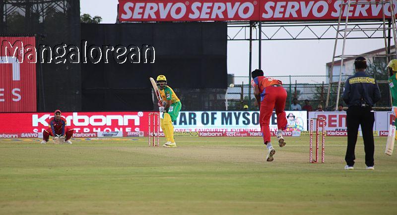 champions-bijapur-bulls-suffer-shock-defeat-kpl-opener-4