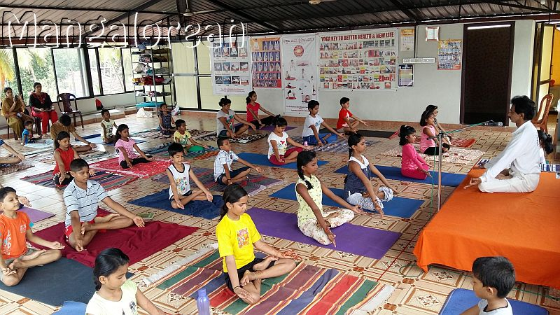 Free yoga camp - Dhyana