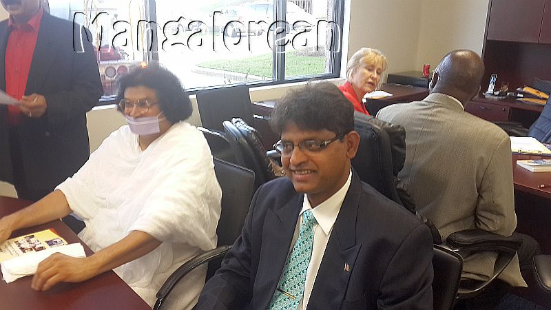 Harold-D'Souza-inaugurates-South-Asian Public-Library-Atlanta (1)