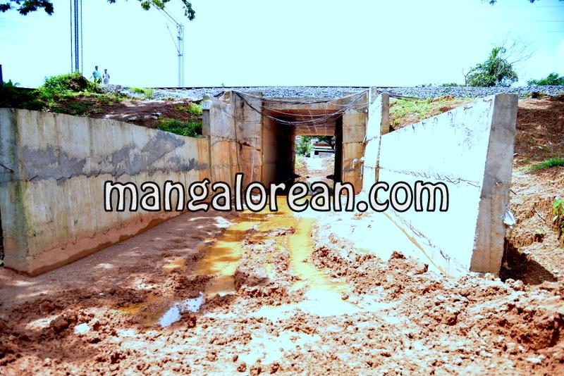 j-r-lobo-jeppu-kudupady-railway-underbridge-20160920-2