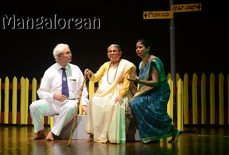 konkani-play-railway-platform-enthralls-packed-audience-21