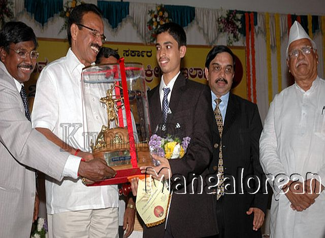 Mangalorean-Viani-becomes-First-International-Master-from-District (8)