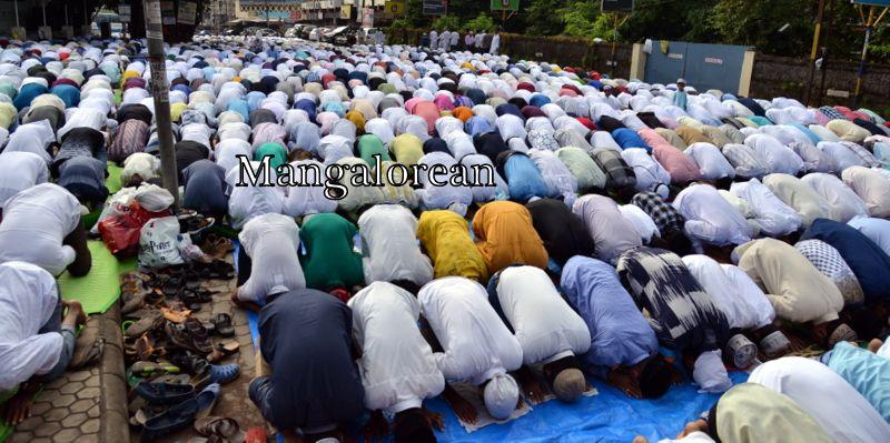 muslim-fraternity-celebrates-bakrid-symbol-supreme-sacrifice-89