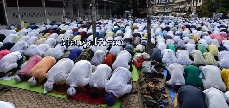 muslim-fraternity-celebrates-bakrid-symbol-supreme-sacrifice-90