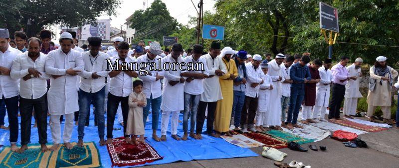 muslim-fraternity-celebrates-bakrid-symbol-supreme-sacrifice-93