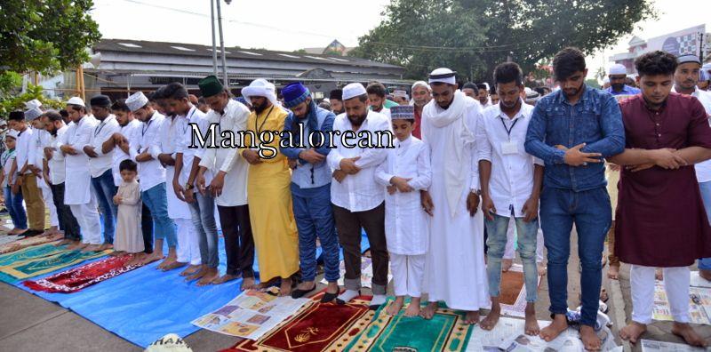 muslim-fraternity-celebrates-bakrid-symbol-supreme-sacrifice-96