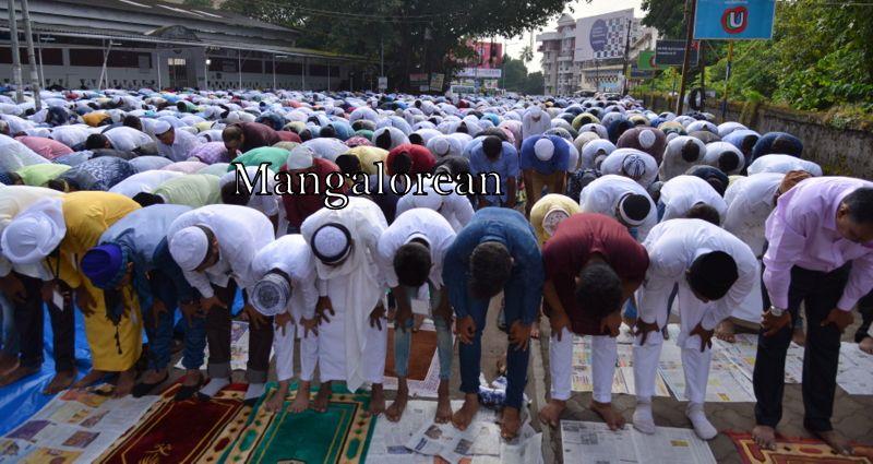 muslim-fraternity-celebrates-bakrid-symbol-supreme-sacrifice-99