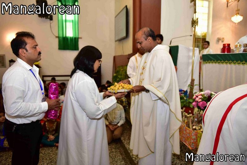 the-nativity-of-mother-mary-monthi-fest-kuwait-80