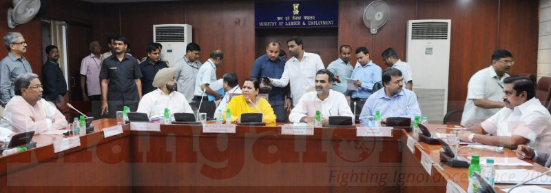 The Union Minister for Water Resources, River Development and Ganga Rejuvenation, Sushri Uma Bharti in a meeting on Cauvery issue with the Chief Minister of Karnataka, Shri Siddaramaiah and Water Resources Minister of Tamil Nadu, in New Delhi on September 29, 2016. The Minister of State for Water Resources, River Development and Ganga Rejuvenation, Dr. Sanjeev Kumar Balyan and the Secretary, Ministry of Water Resources, River Development and Ganga Rejuvenation, Shri Shashi Shekhar are also seen.