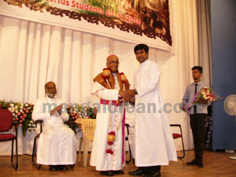 bangalore-diocese-prathiba-puraskar-15