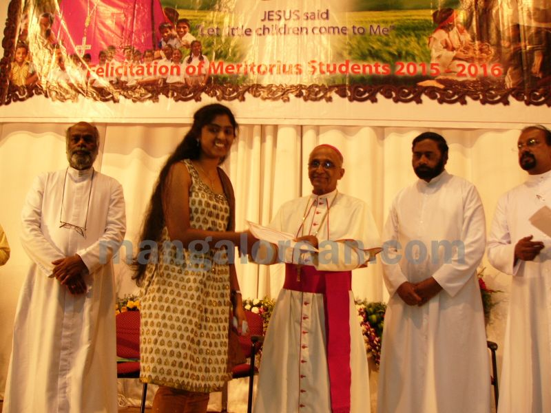 bangalore-diocese-prathiba-puraskar-18