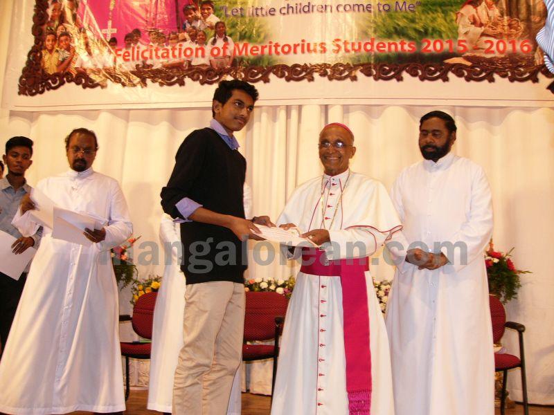 bangalore-diocese-prathiba-puraskar-19