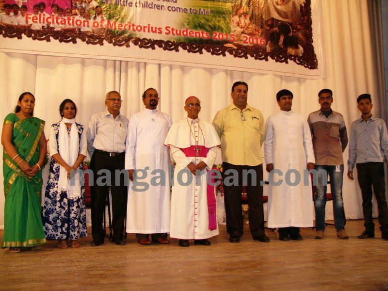 bangalore-diocese-prathiba-puraskar-23