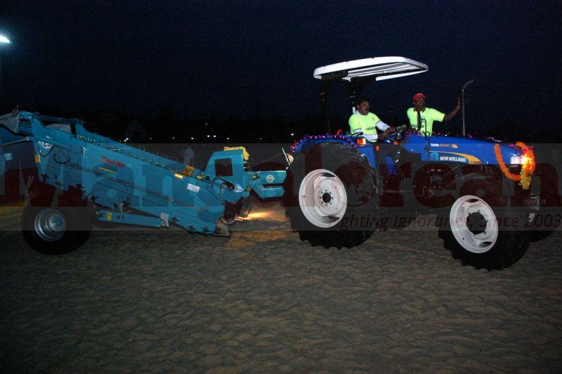 beach-cleaning-machine-malpe-20160917-14